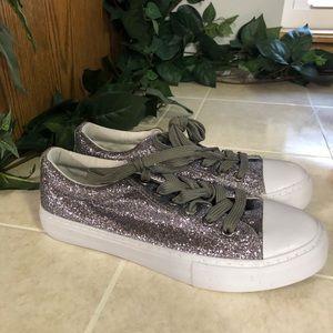 New Pierre Dumas Silver Morgan sparkle Shoe Kicks